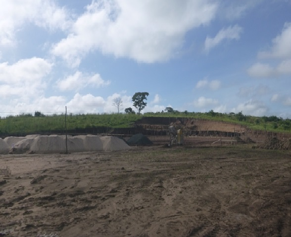 Terreno após serviços de Terraplenagem no Campus Presidente Dutra