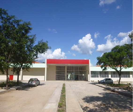 """Vista da fachada principal do Bloco """"A"""" Campus Grajaú (1)"""